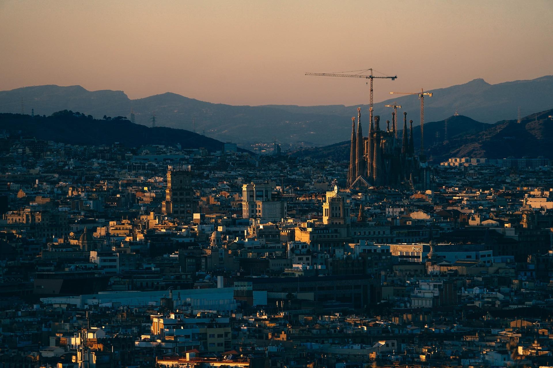 Vista panoramica de Barcelona, objetivos viajeros para 2017 - Los viajes de Margalliver